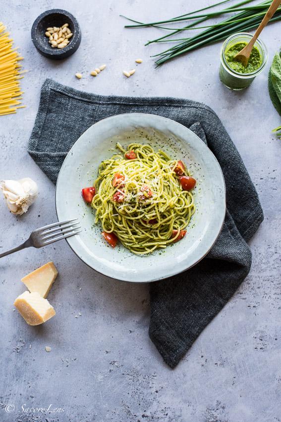 Spaghetti con salsa verde