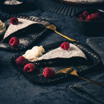 Kladdkaka – Schwedischer Schokoladenkuchen
