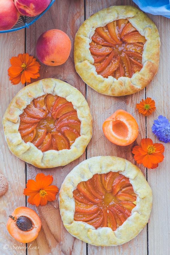 Aprikosen Galette mit Amaretto-Eis