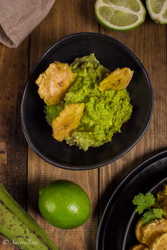 Picadillo con arroz amarillo cubano