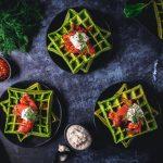 Spinatwaffeln mit Graved Lachs und Meerrettich-Creme