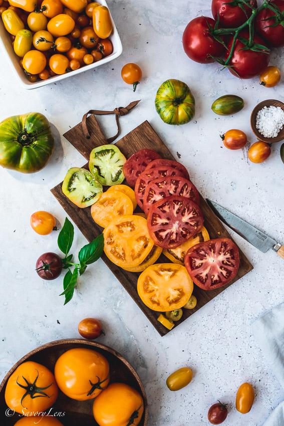 Rustikale Tomaten-Galette mit Ziegenkäse