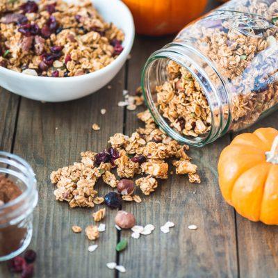Pumpkin Spice Granola mit Cranberries