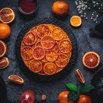 Upside-Down-Cake mit Blutorangen und Mandeln