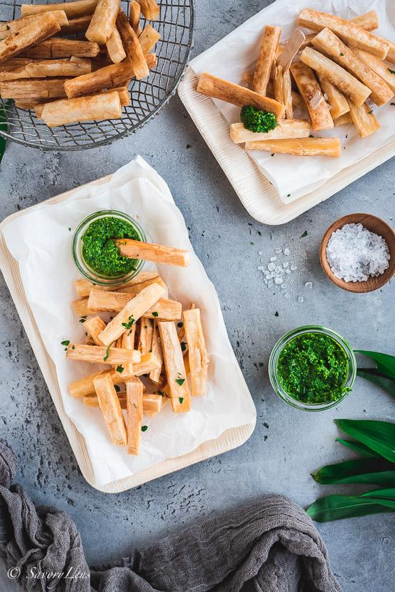 Maniok-Pommes mit Bärlauch Salsa Verde