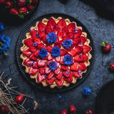 Erdbeer-Tarte mit weißer Schokoladencreme