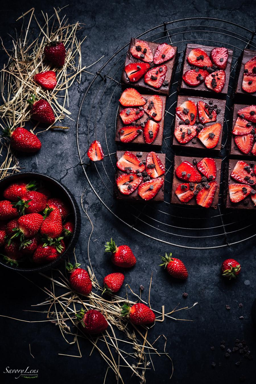 Erdbeer-Brownies mit Schokoladen-Ganache