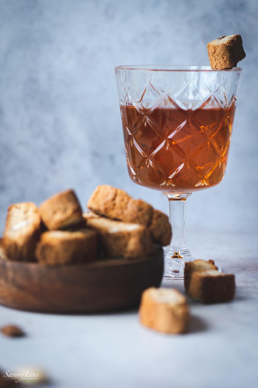 Vin Santo Eis mit Cantuccini