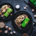 Wirsingrouladen mit Pilz-Quinoa-Füllung auf Pastinakenstampf
