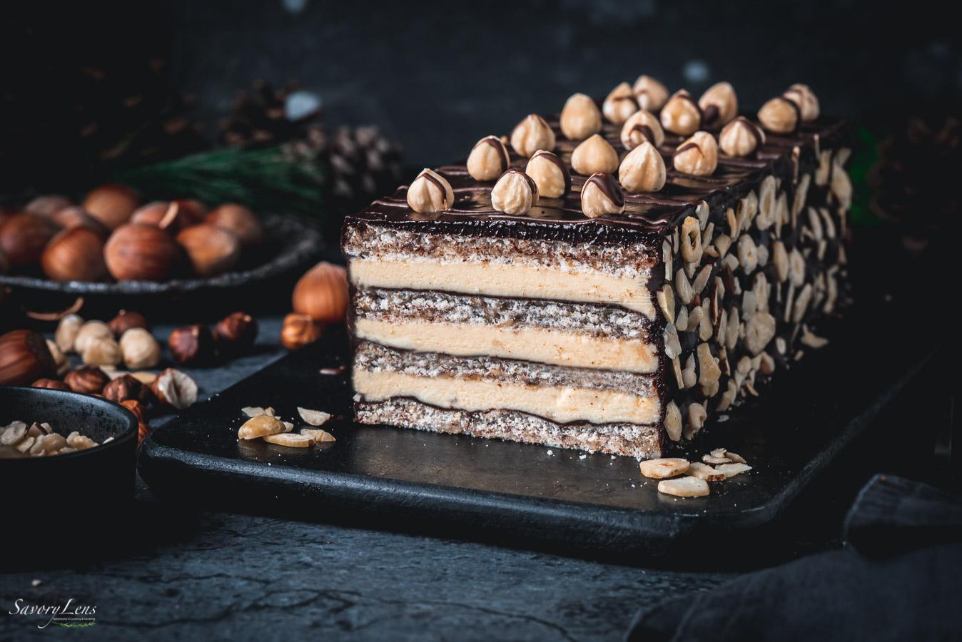 Haselnuss-Dacquoise mit Lebkuchen-Ganache – SavoryLens