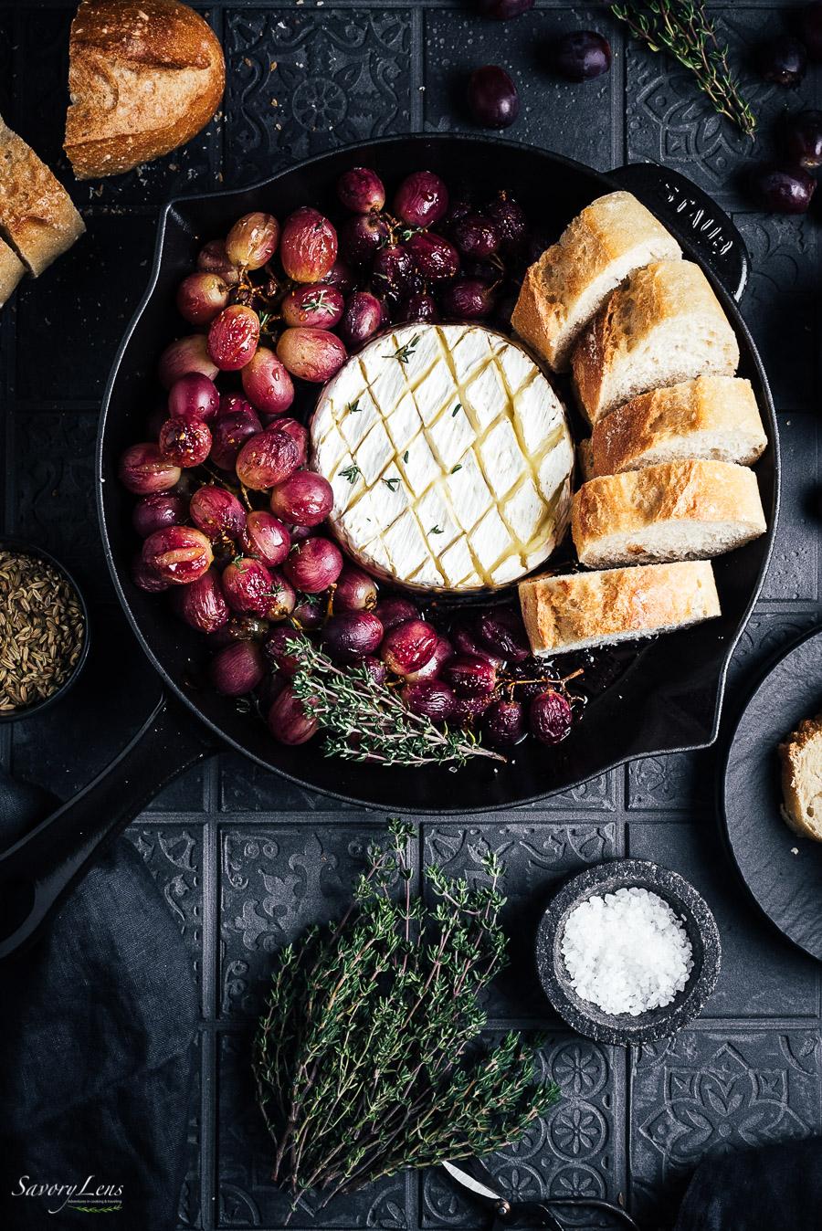 Feierabend-Fondue mit gerösteten Weintrauben