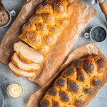 Challah - Traditionelles jüdisches Zopfbrot