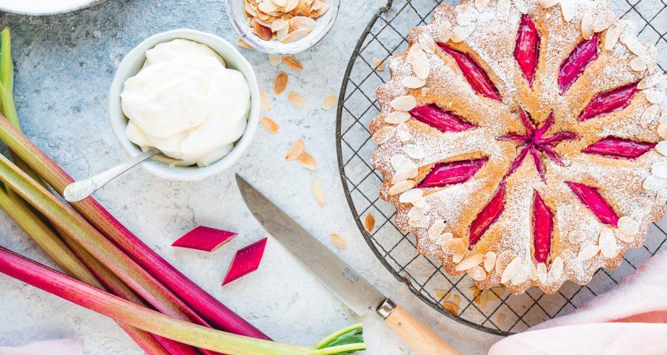 Saftiger Rhabarber-Mandel-Kuchen
