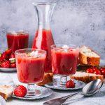 Sommerliche Erdbeer-Tomaten-Gazpacho