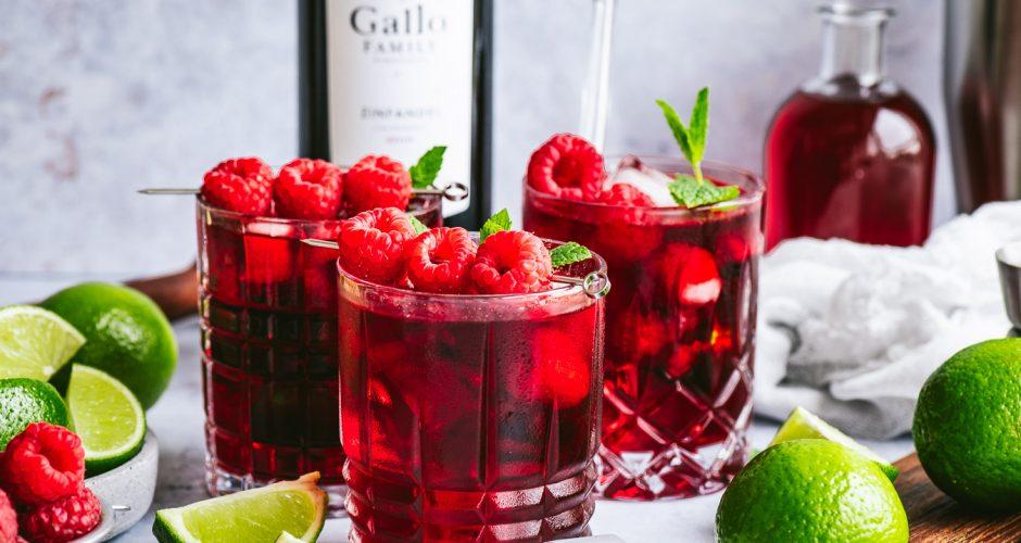 Sommerlicher Rotwein-Himbeer-Mojito